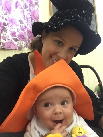 Mummy and Baby Bear Silly Hats