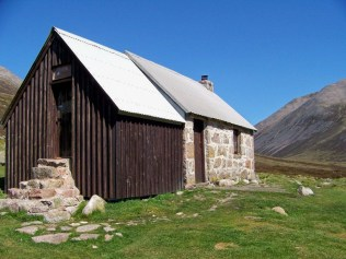 Corrour bothy. The eco-friendly double toilet is in the timber extension