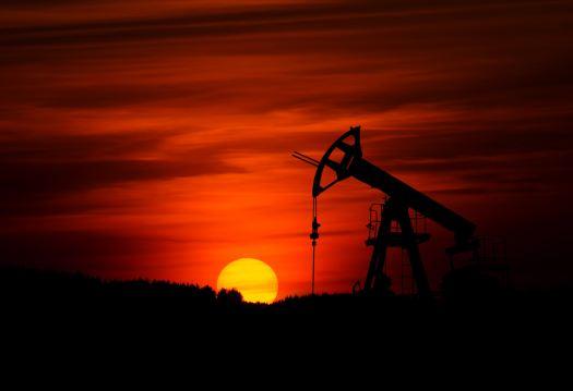 oil rig, Photo by Zbynek Burival on Unsplash
