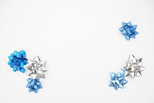 Silver and blue gift bows.