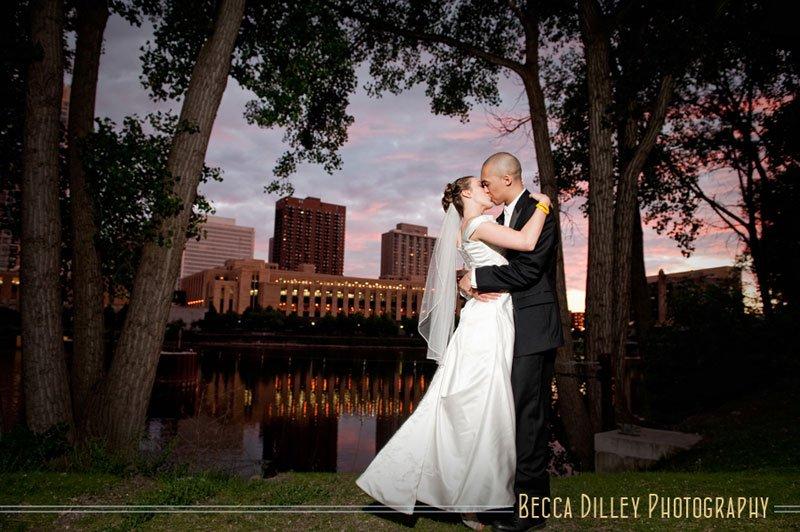 nicollet island pavillion wedding photographer minneapolis mn