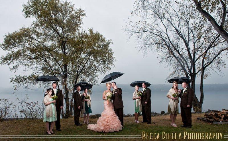 Stillwater MN wedding photos on rainy day