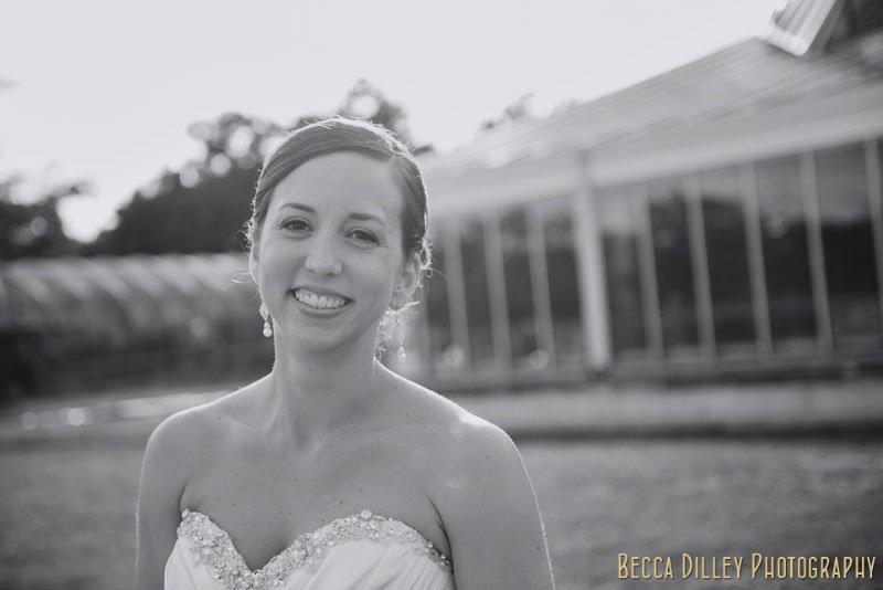 bride in summer light outside of como park st paul mn