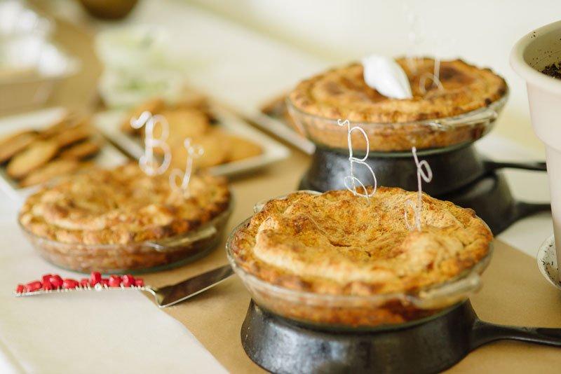 homemade apple pie for small edina wedding