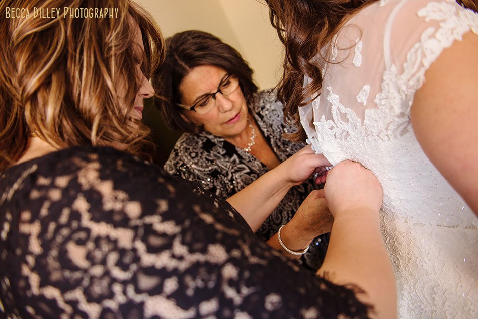 minneapolis wedding getting ready at common hotel