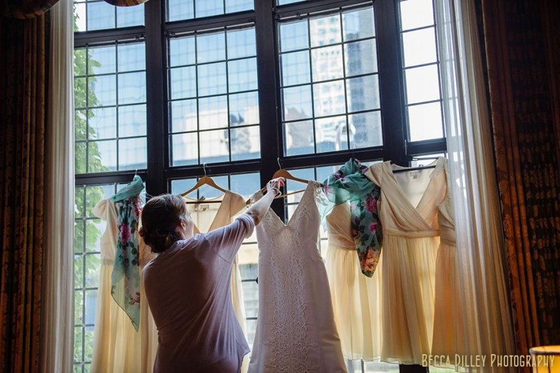 bridemaid dresses atminneapolis club wedding
