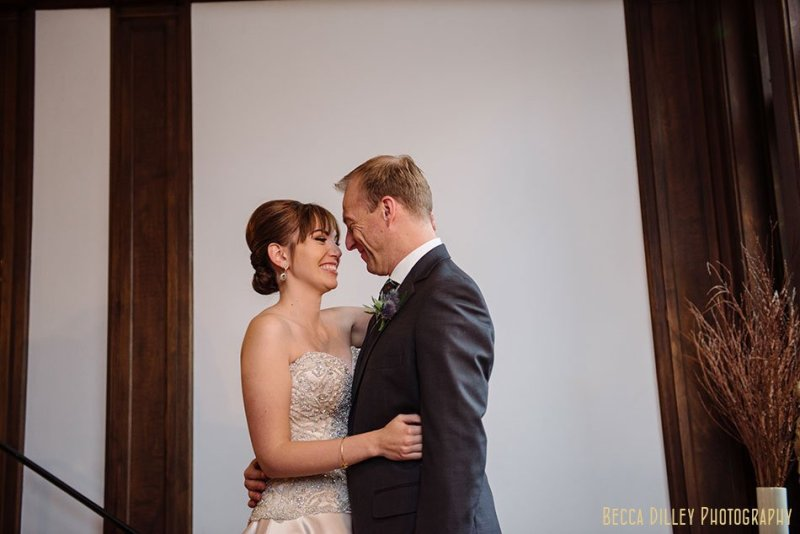 modern bride and groom minneapolis wedding at gale mansion