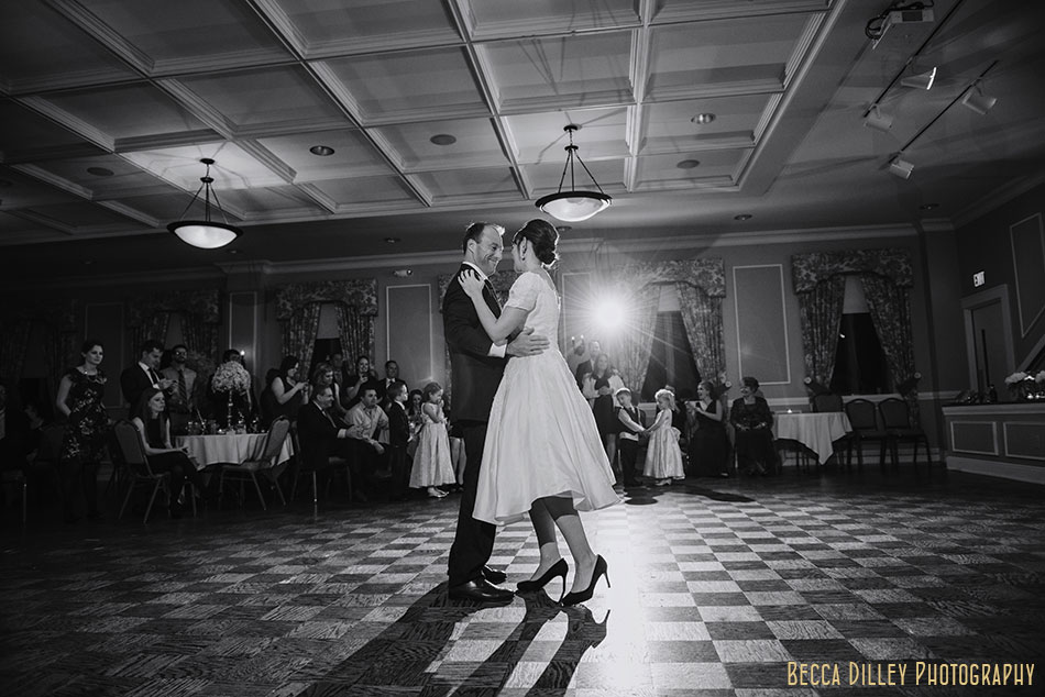 minneapolis-gale-mansion-wedding-golden-092