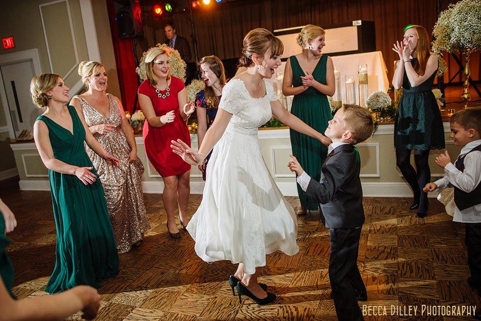 minneapolis-gale-mansion-wedding-golden-102