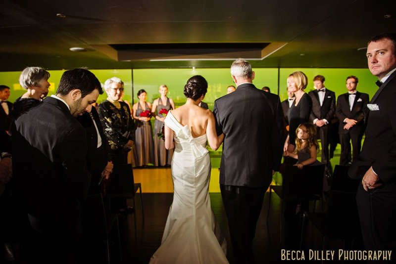 minneapolis wedding photographer guthrie theater amber box wedding