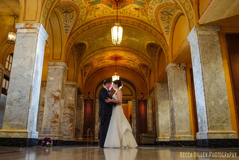 arches of memorial union madison wisconsin wedding