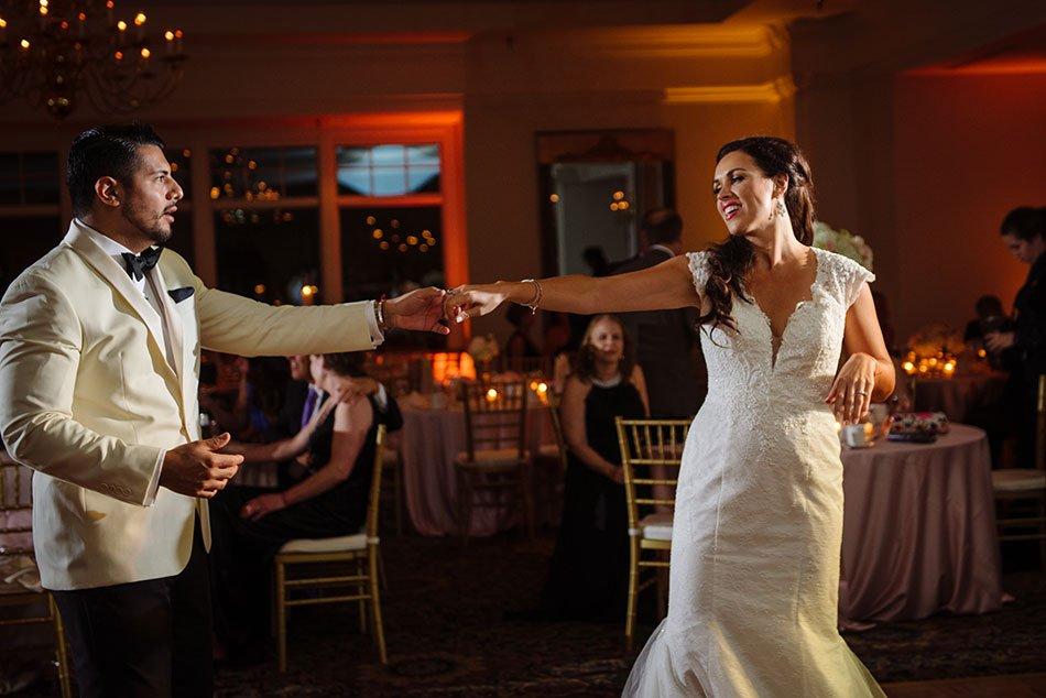 first dance wayzata country club wedding mn
