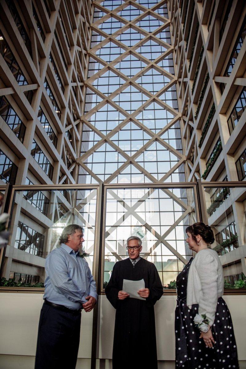 2017 favorite photos best Minneapolis photographer elope at city hall