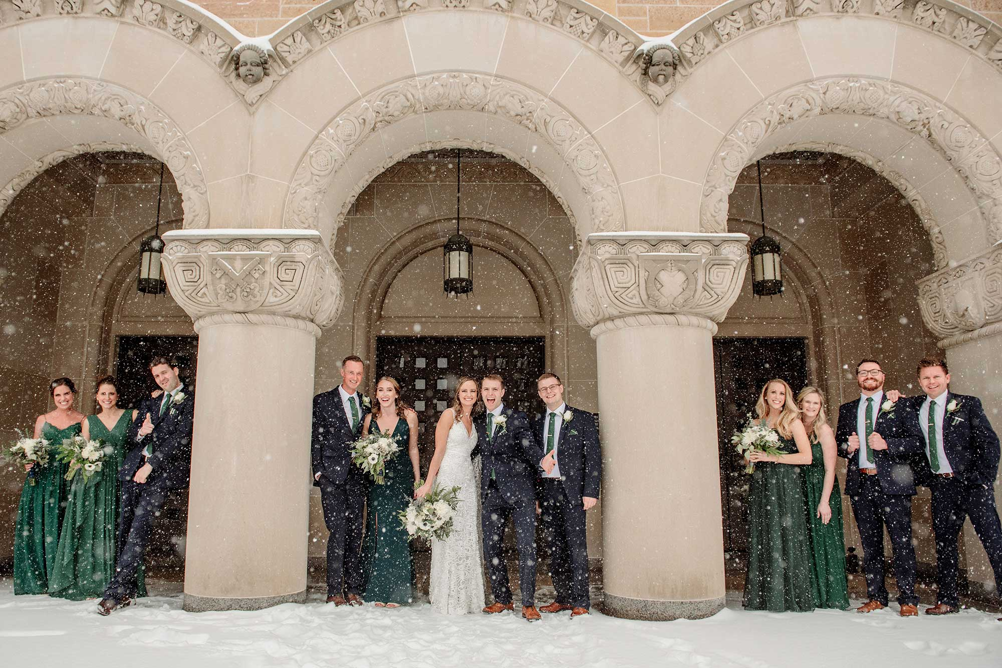 best minneapolis winter wedding large group in snowsstorm