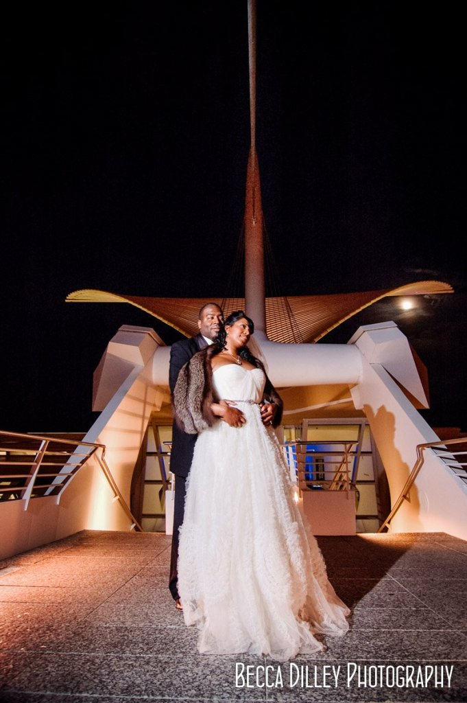 couple outside at night - Milwaukee art museum wedding