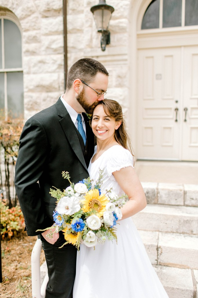 Simple and Sweet Spring Wedding (Glen Rose, Texas) | Becca Sue Photography - beccasuephotography.com