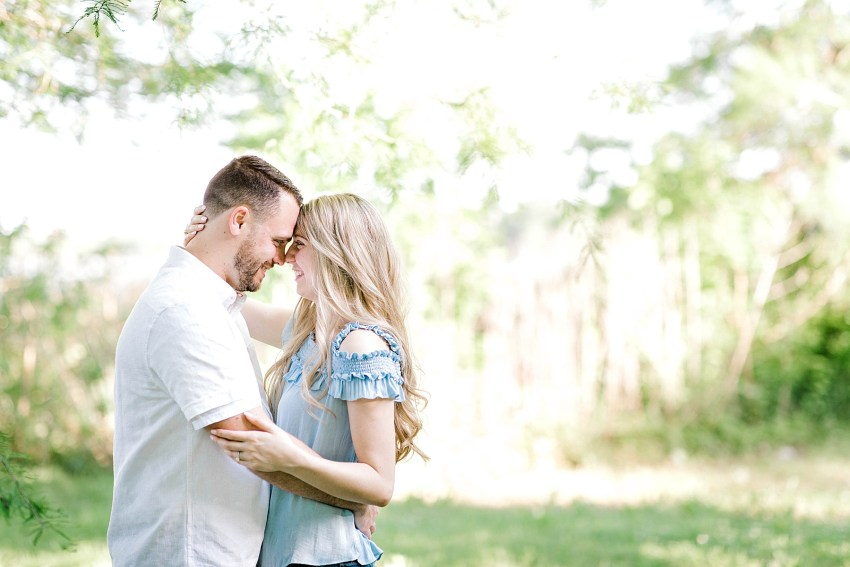 Lakeside Engagement Session (Dallas, Texas) | Becca Sue Photography - www.beccasuephotography.com