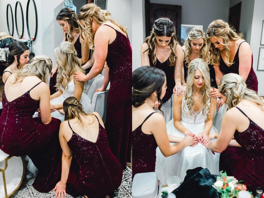 Black and Burgundy Winter Wedding (Grapevine, Texas) | Becca Sue Photography - www.beccasuephotography.com