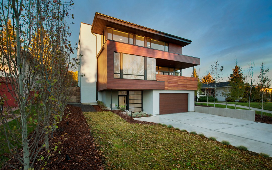 Calgary Modern Energy Efficient House Built on a Reverse Walkout
