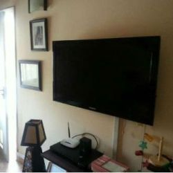 Samsung 40 HD LED TV + Home Theater System