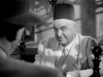 Sydney Greentreet in Casablanca (1942).