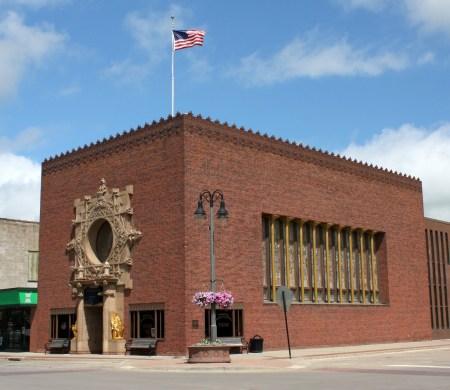 Merchants Savings Bank by Louis Sullivan, in Grinnell, Iowa.