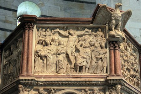 Detail of Nicola Pisano's pulpit in the Pisa Baptistery, showing the Crucifixion panel.
