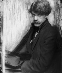 A 1902 photograph of Alfred Stieglitz by Gertrude Käsebier.