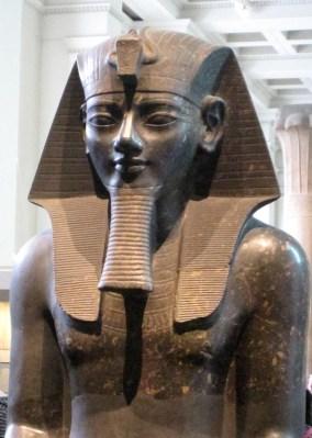 Colossal_Amenhotep_III_British_Museum