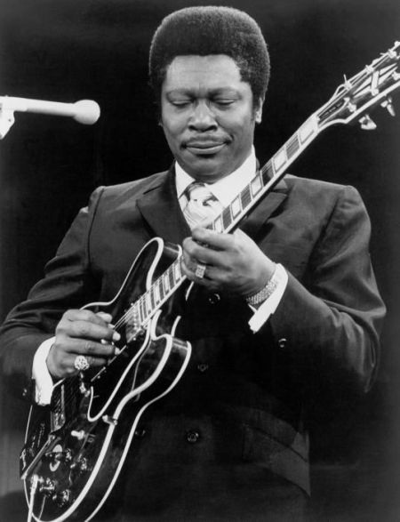 B.B. King performs during a 1960 concert. (Michael Ochs Archives/Getty Images)