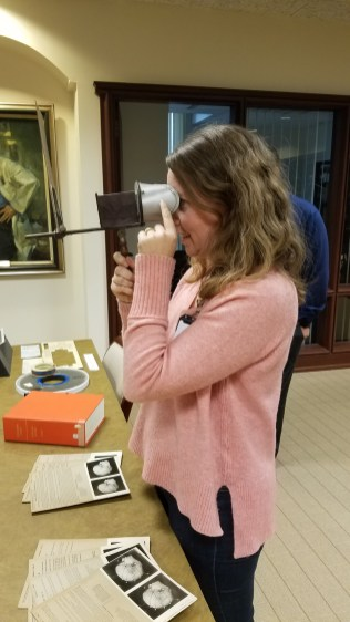 Demonstrating use of a stereoscopic viewer
