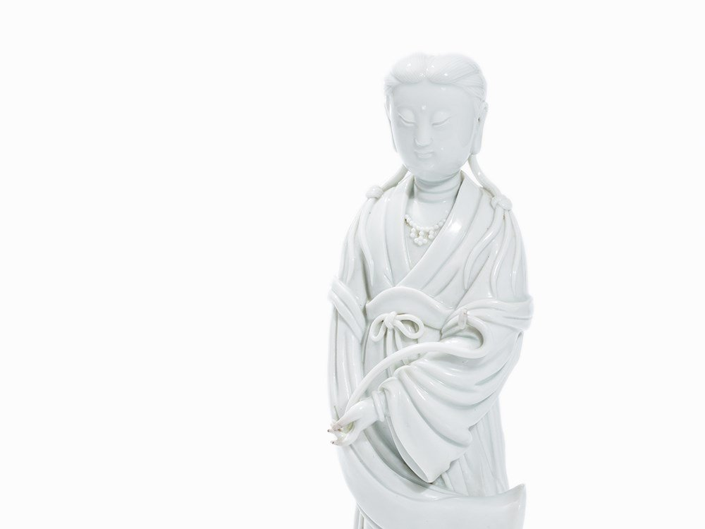 18TH C BLANC de CHINE GUANYIN (2)