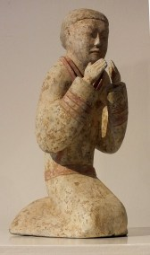 Extremely Rare Pottery Kneeling Entertainer (4)