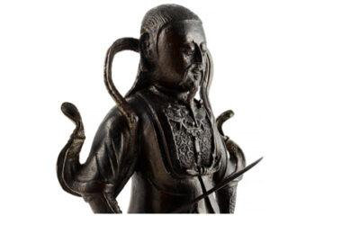 Large Black Lacquered Bronze Figure Guandi