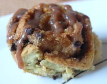 Creamy Butter-Pecan Cinnamon Rolls with Chocolate