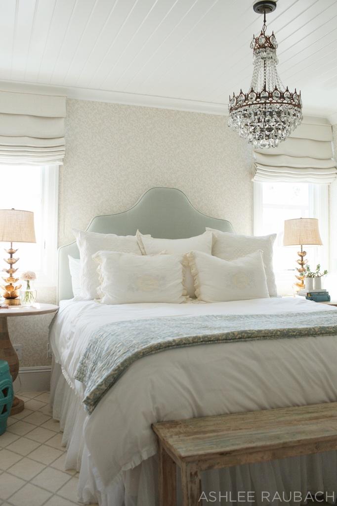 Vintage Feminine bedroom becki-owens-blog
