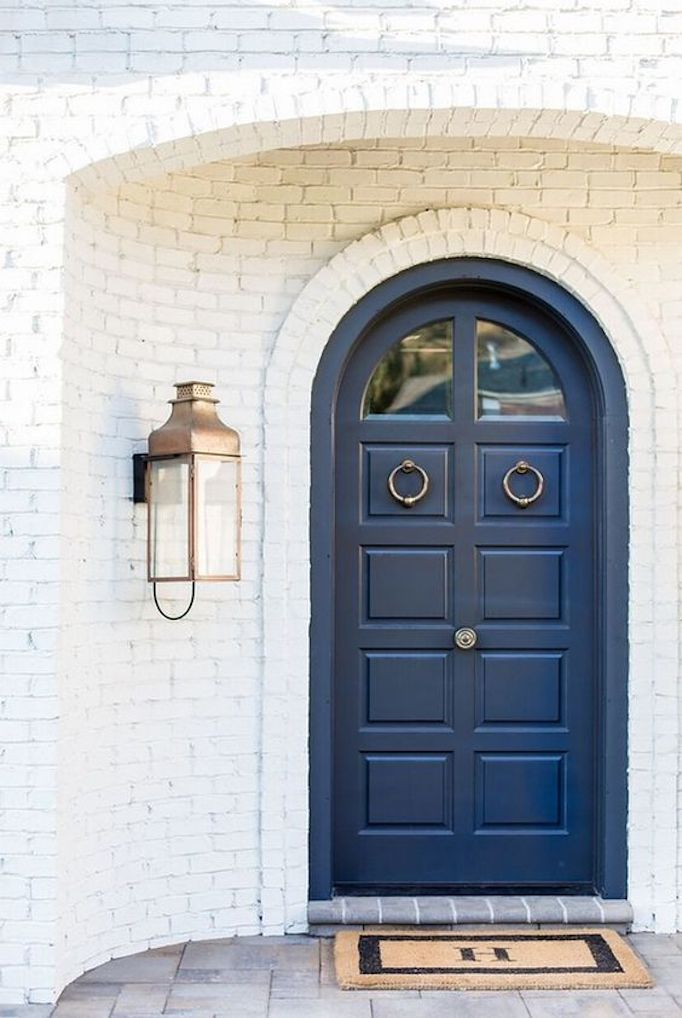 Hyrum McKay Bates Design & Spring Curb Appeal: Painted Front Doors + Paint GuideBECKI OWENS