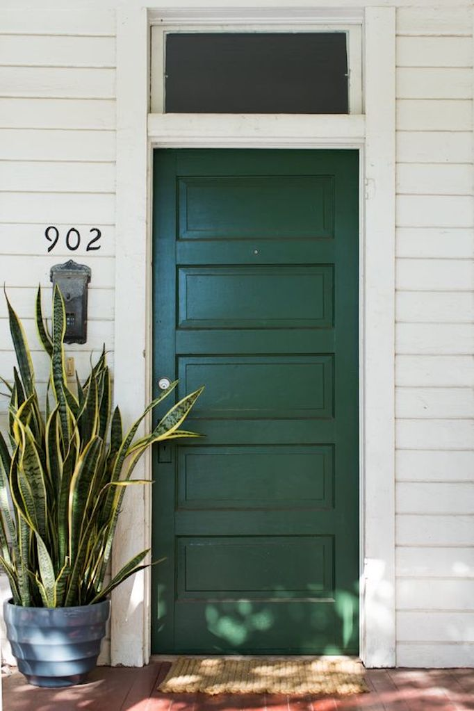 Green. Spencer Huddleston via Apartment Therapy & Spring Curb Appeal: Painted Front Doors + Paint GuideBECKI OWENS