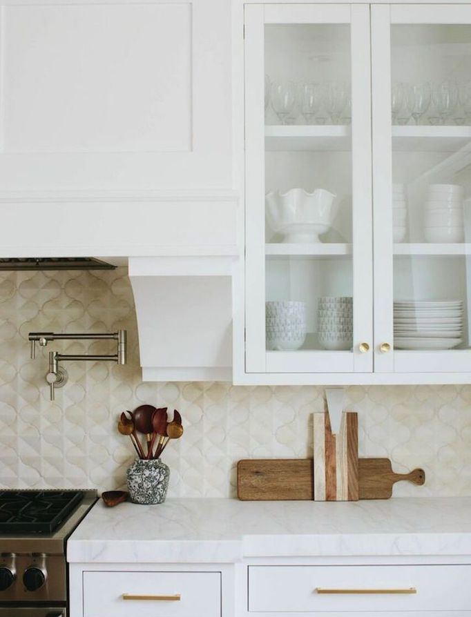 Quick Guide 5 Beautiful Backsplash Tiles For White Kitchensbecki Owens