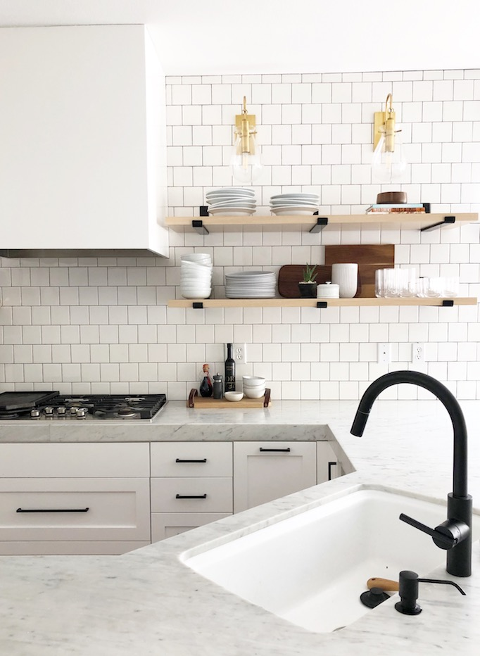 Quick Guide 5 Beautiful Backsplash Tiles For White Kitchensbecki