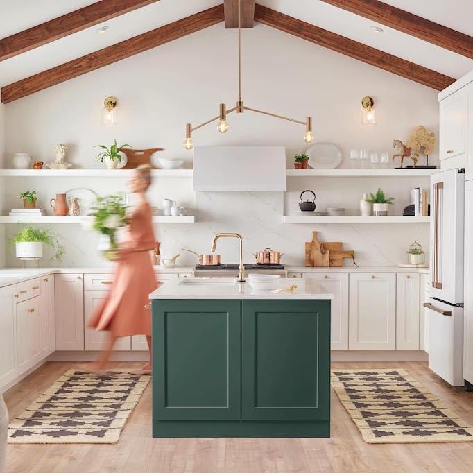 Design Trend 2019: White Kitchen AppliancesBECKI OWENS