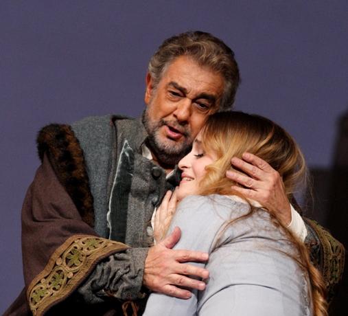 Placido Domingo (Boccanegra) and Marina Poplavskaya (Amelia)  © Catherine Ashmore | ROH