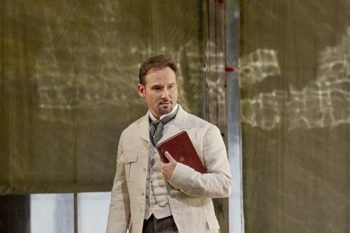 Mariusz Kwiecien (Onegin) © Ken Howard/Metropolitan Opera