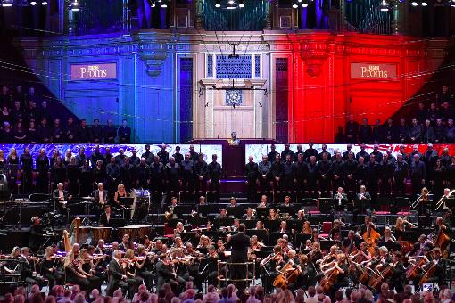 Sakari Orami conducts La Marseillaise © BBC | Chris Christodoulou