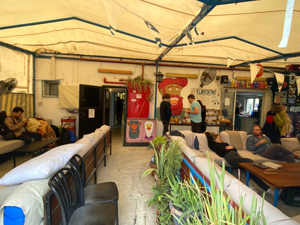 Best party hostels int the World: Common area at Florentine Backpackers Hostel, Tel Aviv