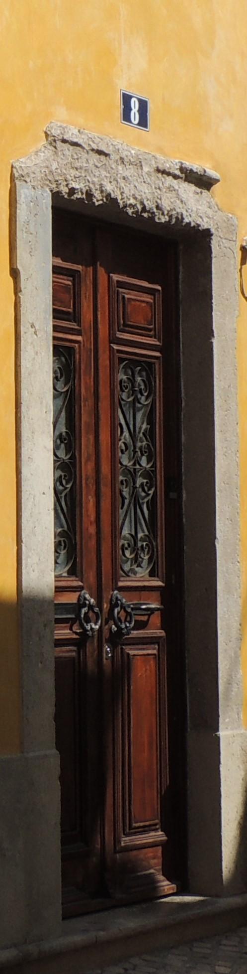 Posh door