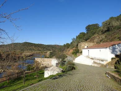 Approaching the mill from Odeleite