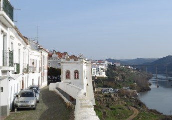 Looking north on the banks of the Guadiana
