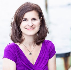 Lea Nolan author photo