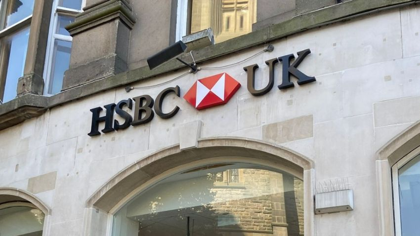 HSBC to close 82 branches